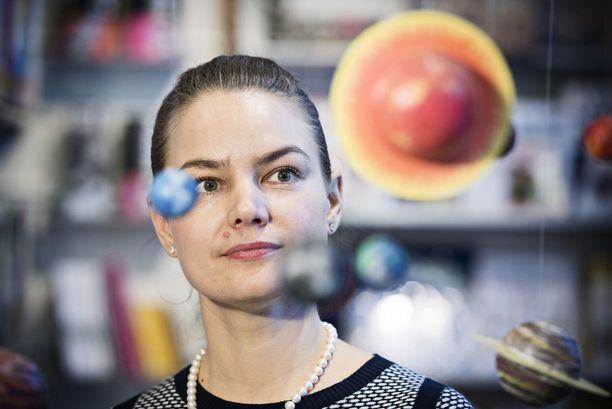 Emilia Kilpua ei tarkkaile tähtiä, vaan hän tekee avaruudesta data-analyysejä.