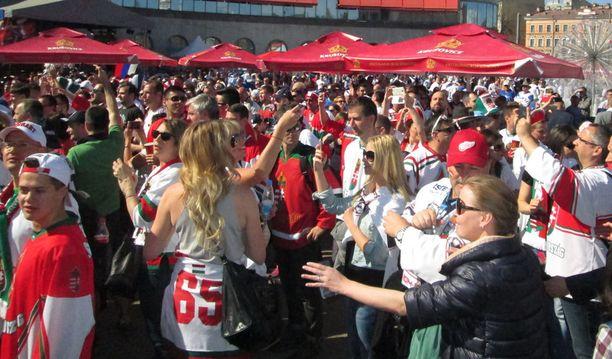 Tanskaan odotetaan paljon MM-kisaturisteja Ruotsista, mutta myös Leijonien fanit aikovat tehdä maihinnousun Herningiin ja Kööpenhaminaan.