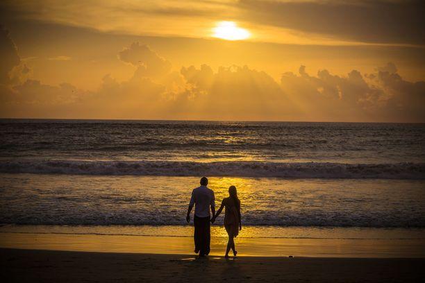 Auringonlasku Balilla - näky, joka on kuin luotu romanttisen kohtauksen taustaksi!