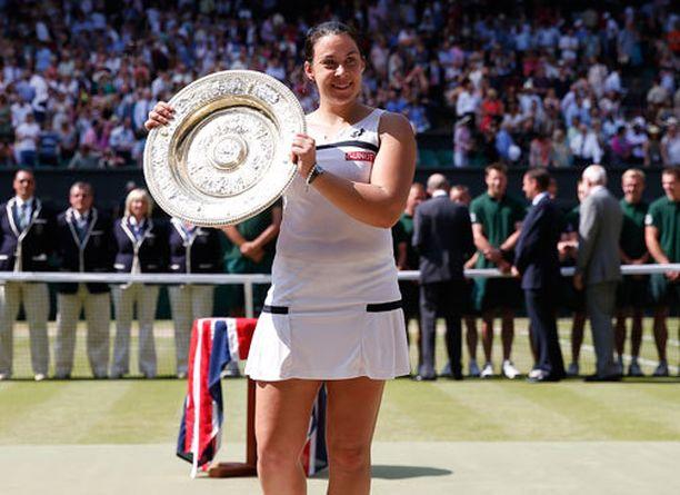 Maron Bartoli voitti Wimbledonin sensaatiomaisesti vuonna 2013.