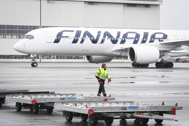 Finnairin yt-neuvotteluiden piirissä on Suomessa 2 800 työntekijää.