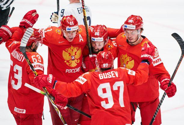 Venäläisasiantuntijat uskovat, että Venäjä suorittaa riemumarssin MM-finaaliin.