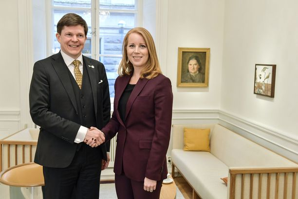 Ruotsin uudeksi pääministeriksi saattaa nousta keskustapuolueen Andreas Norlén, joka neuvottelee uudesta pääministeriehdokkaasta puolueiden kanssa. Kuva otettu vuonna 2019.