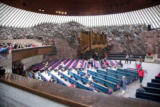 Temmppeliaukion kirkko on yksi Suomen suosituimpia nähtävyyksiä.
