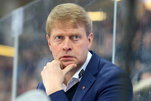 Jukka Rautakorpi on sanonut ottavansa täyden vastuun Tapparan koronarikkeistä.