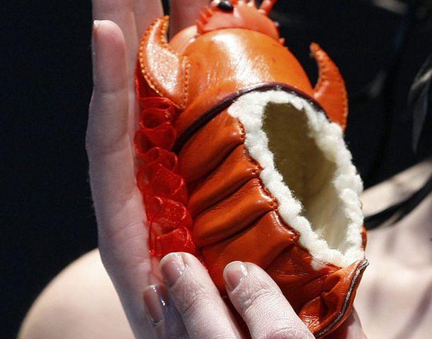 Yeung Yuet Mingin suunnitteleman popon nimi on osuvasti Lobster, eli hummeri.