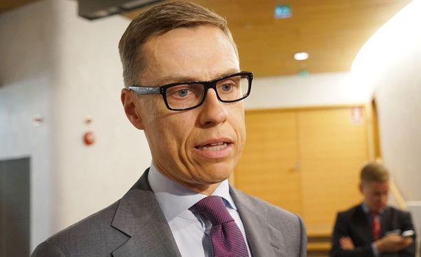 Valtiovarainministeri Alexander Stubb kommentoi neuvottelujen etenemistä tiistaina iltapäivällä.