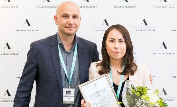 Tiina Palmunen työskentelee kuukauden Adecco Finlandin toimitusjohtajan Jukka-Pekka Annalan rinnalla.