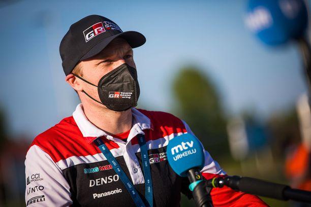 Toyotalla ei kulkenut Belgian rallin avauspäivänä. Tallipäällikkö Jari-Matti Latvala joutui selittelemään.