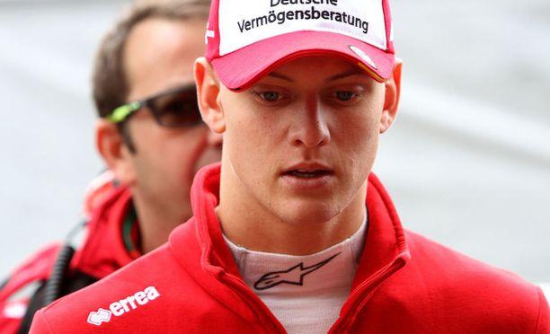 Mick Schumacher on lupaava kilpakuljettaja, mutta formula ykkösistä puhuminen on ennenaikaista, muistuttaa Mika Häkkinen.