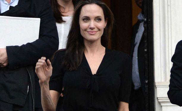 Angelina Jolie on ihailluin nainen.