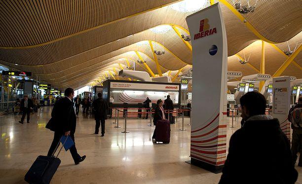 Madridin lentokentän kautta yritetään tuoda säännöllisesti huumeita Etelä-Amerikasta Eurooppaan.