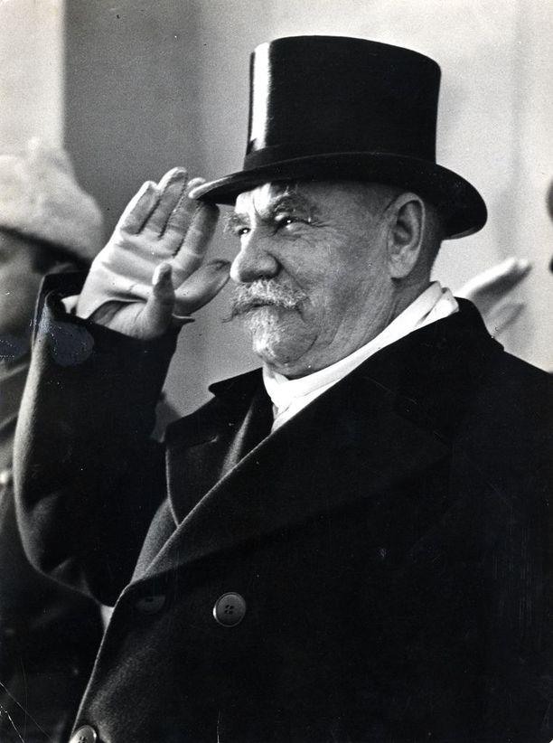Pääministeri P. E. Svinhufvud pakeni sisällissotaan ajautuneesta Suomesta alkuvuonna 1918 Tarmo-jäänmurtajalla. Svinhufvudin muistosäätiö ja Mediastadin opiskelijat tekivät pakomatkasta lyhytdokumentin.