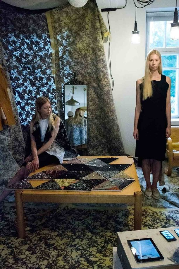 Mallit esittelivät Saara Lepokorven luomuksia.