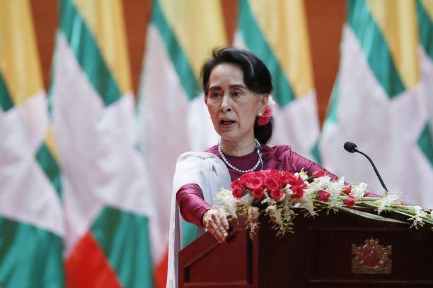 Aung San Suu Kyi piti odotetun tv-puheensa tänään. Puhe kesti puolisen tuntia.