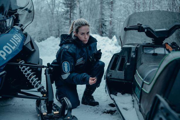 Iina Kuustonen nähdään jännityssarjan pääroolissa.