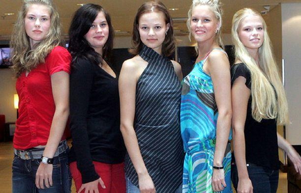 Sanni (vas.), Heidi, Kaisa, Joanna ja Anni.