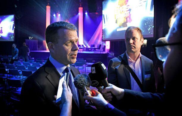 Kokoomuksen puheenjohtaja Petteri Orpo on saanut viime aikoina useamman kerran selittää ja kommentoida omiltaan saamaansa kritiikkiä.