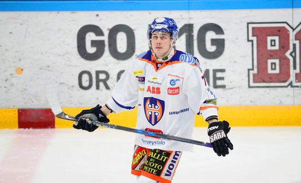 Kristian Kuusela sai jäähyn syyttä.