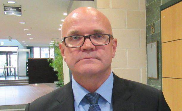 - Poliisi pääsi miehen jäljille yhteistyössä Suojelupoliisin, Irakin poliisin ja muiden maan viranomaisten kanssa, tutkinnanjohtaja Jari Räty kertoo.