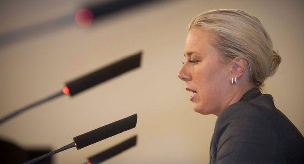Valtiovarainministeri Jutta Urpilainen kertoi torstai-iltana rajuista sopeuttamistoimista.