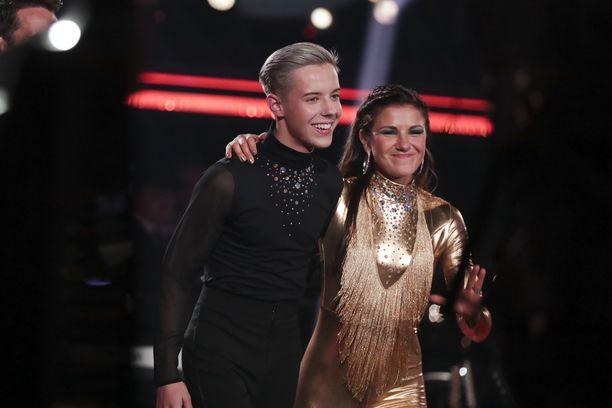 Ansku Bergström ja Tuure Boelius tulevat hyvin toimeen keskenään. Boelius on kertonut nauttivansa tanssimisesta.