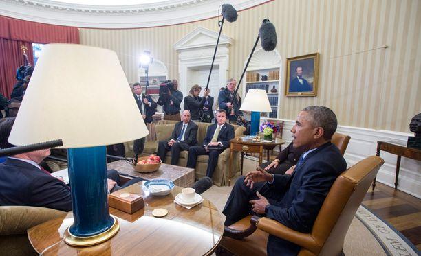 Yhdysvaltojen presidentti Barack Obama haluaa kiristää aselainsäädäntöä ja suunnata lisää rahaa mielenterveystyöhön.