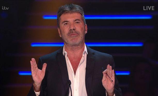 Simon Cowell on kokenut tv-esiintyjä.