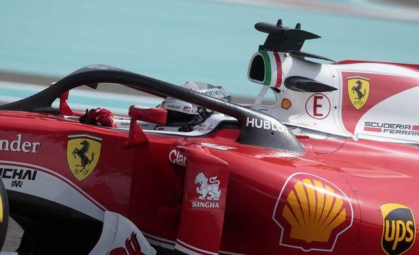 Sebastian Vettel kokeili Haloa viime kauden päätösosakilpailussa Abu Dhabissa.