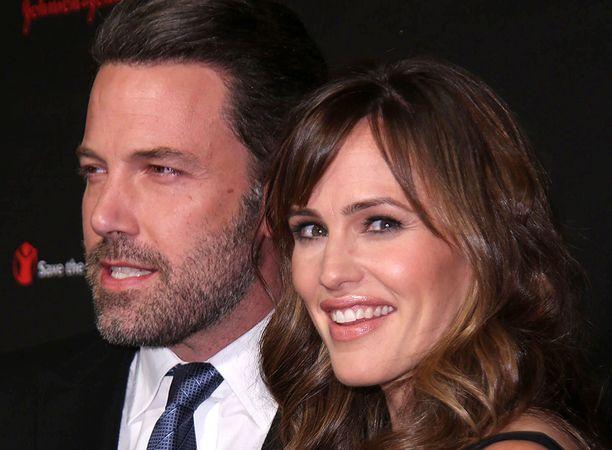 Jennifer Garner ja Ben Affleck kertoivat eropäätöksestään vuonna 2015.