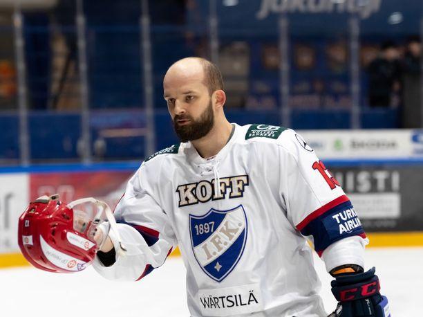 Otto Paajanen lähti HIFK:sta Leksandiin ja oli uudessa seurassaan kuudenneksi paras pistemies runkosarjan päätteeksi.