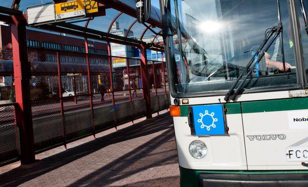 Bussinkuljettaja joutui raivoisan hyökkäyksen kohteeksi. Kuvan bussi ei liity tapaukseen.