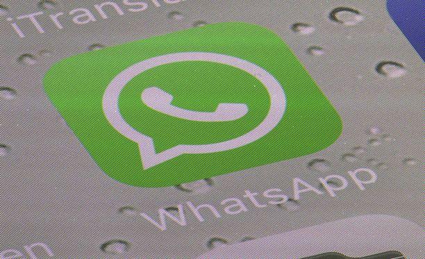 Pikaviestipalvelu WhatsAppin perustaja Brian Acton kehottaa ihmisiä poistamaan Facebook-tilinsä.