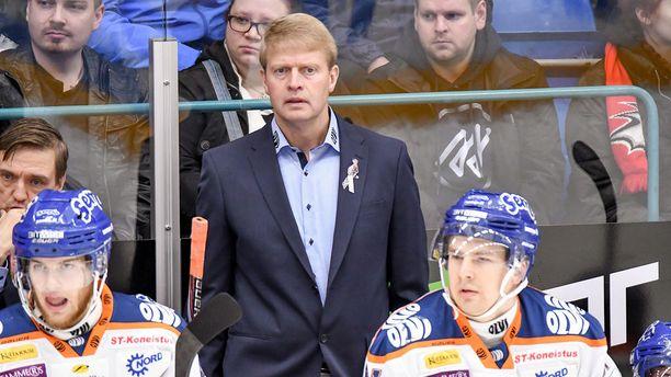 Päävalmentaja Jukka Rautakorpi on saanut Tapparan pelin rullaamaan.