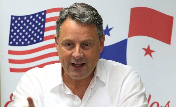 John Feeley on pitkän linjan diplomaatti, jonka kunnia ei anna periksi palvella presidentti Donald Trumpia.