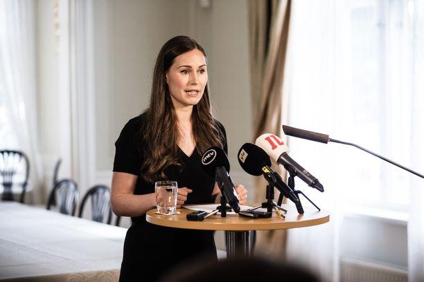 Pääministeri Sanna Marin kertoi EU:n elvytyspakettia koskevasta neuvottelutuloksesta 22. heinäkuuta 2020 Kesärannassa.