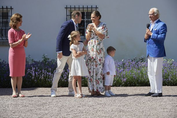 Juhlissa kuningas Kaarle Kustaa lausui onnittelusanat synttärisankarityttärelleen.