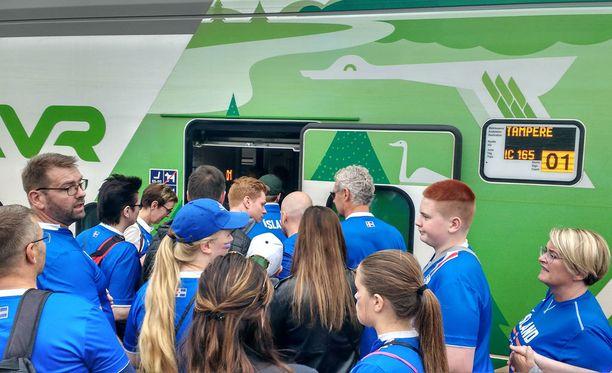 Islannissa ei ole junia, joten matka Tampereelle on varmasti ikimuistoinen.