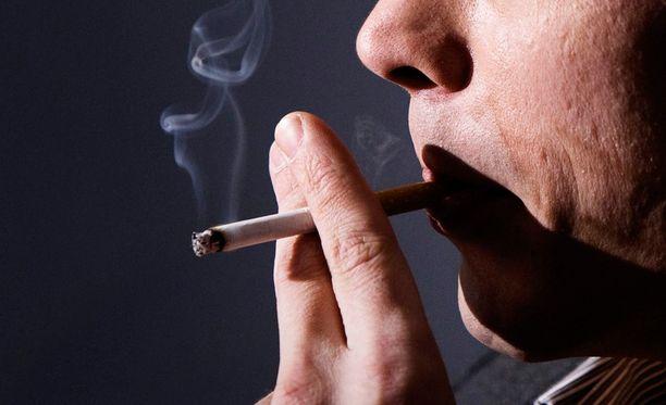 Tupakkaveron korotuksen on määrä tulla voimaan vuodenvaihteessa.