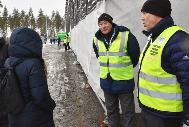 Kotkalainen Tarja käännytettiin Kontiolahden ampumahiihtostadionilta pois.