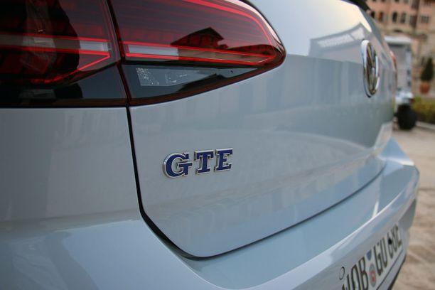 GTE tarkoittaa GT-tasoista ladattavaa hybridiä.