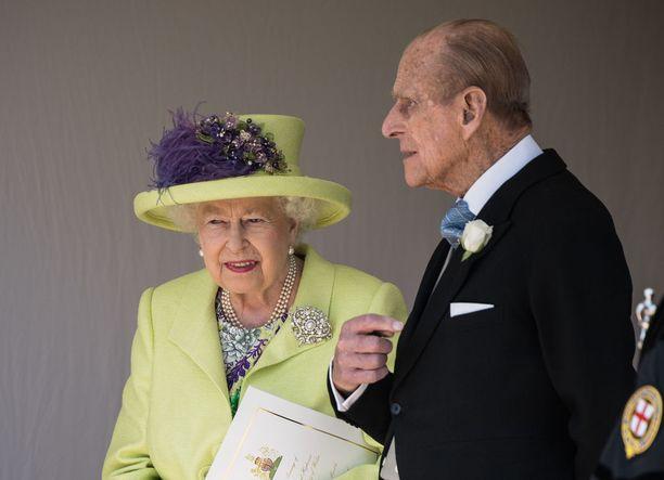 Prinssi Philip ja kuningatar Elisabet ovat olleet toistensa tukena jo useita vuosikymmeniä. Häitään pariskunta tanssi vuonna 1947.