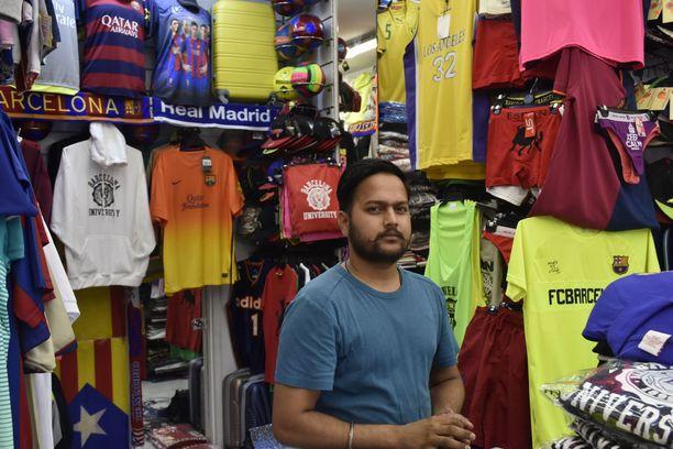 Geeta Sportin työpäivä sujui surullisissa ja nihkeissä tunnelmissa, kertoo yrittäjä Sandhu.