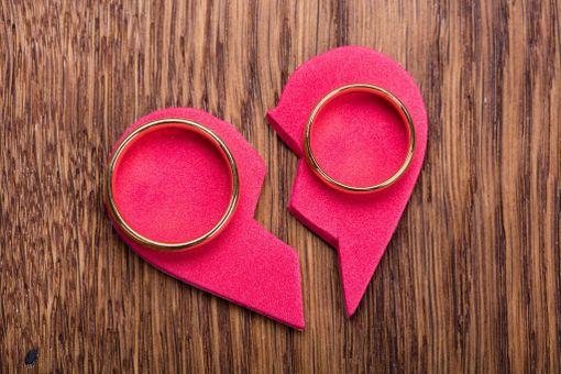 Joka kymmenes petetyksi tulleista olisi halunnut päättää parisuhteensa uskottomuuden vuoksi.