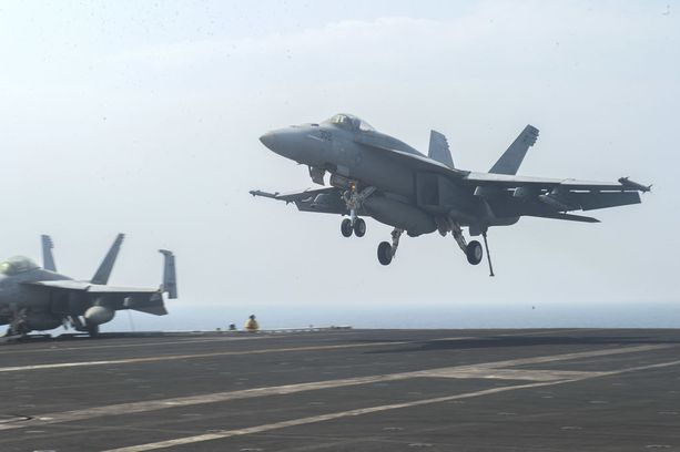 F/A-18 Super Hornet, joita Trump jo Suomelle tyrkytti.