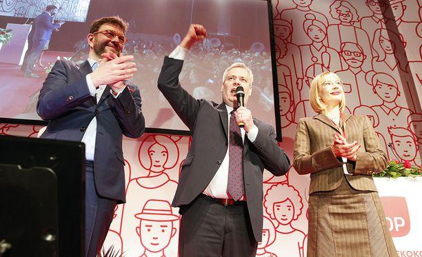 Helmikuussa 2017 SDP:n puoluekokous valitsi puheenjohtajaksi Antti Rinteen. Johtoon pyrkivät myös Timo Harakka ja Tytti Tuppurainen
