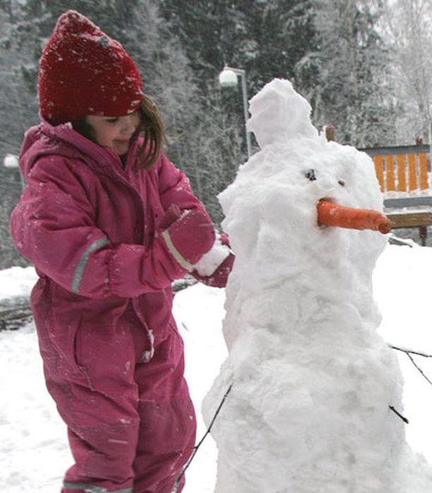 Espoo-lisää maksetaan jatkossa vain, jos perheen kaikki alle kouluikäiset lapset hoidetaan kotona