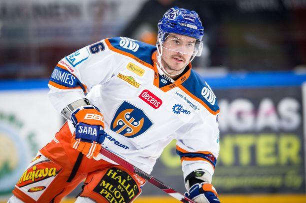 Joonas Järvinen loikkaa Tapparasta takaisin KHL:ään.