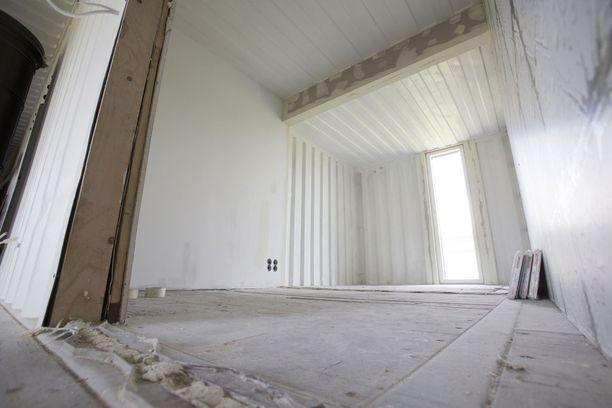 Tästä huoneesta tulee yksi talon makuuhuoneista.