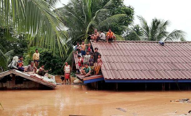 Yli 6000 ihmistä on jouduttu evakuoimaan tulvien tuhoamilta alueilta.